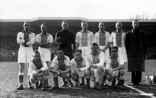 Voetbal, clubs, teams. De Volewijckers kampioen van Nederland seizoen 1943-1944…